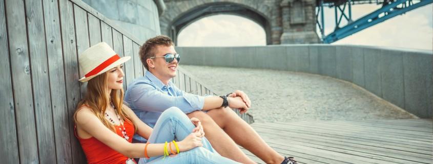 couple-sitting